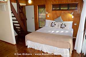 king bed of the lagoon view bungalow